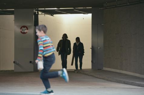 Mark Riklin und Regula Immler beim Verlassen der Parkgarage.